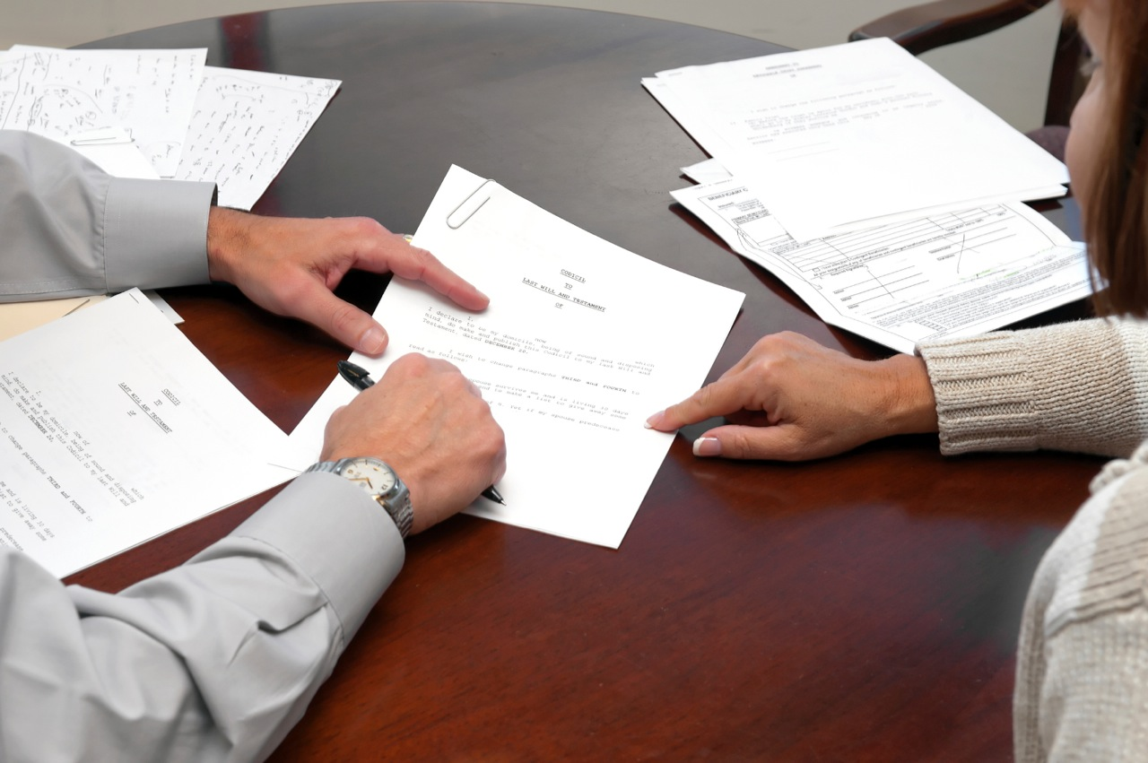 Можно ли подать документы в суд без его посещения