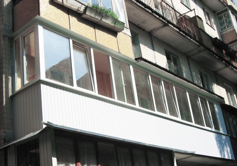 Минстрой запретил утепление балконов без согласования