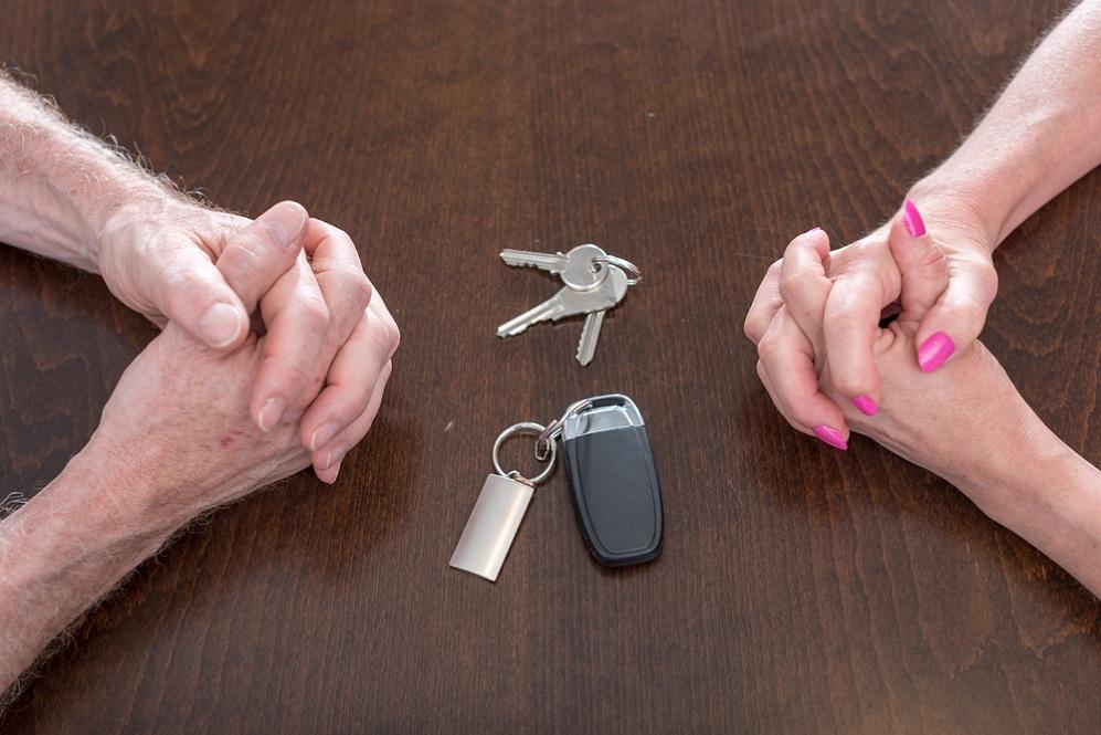 Можно ли продать авто без ведома супруга