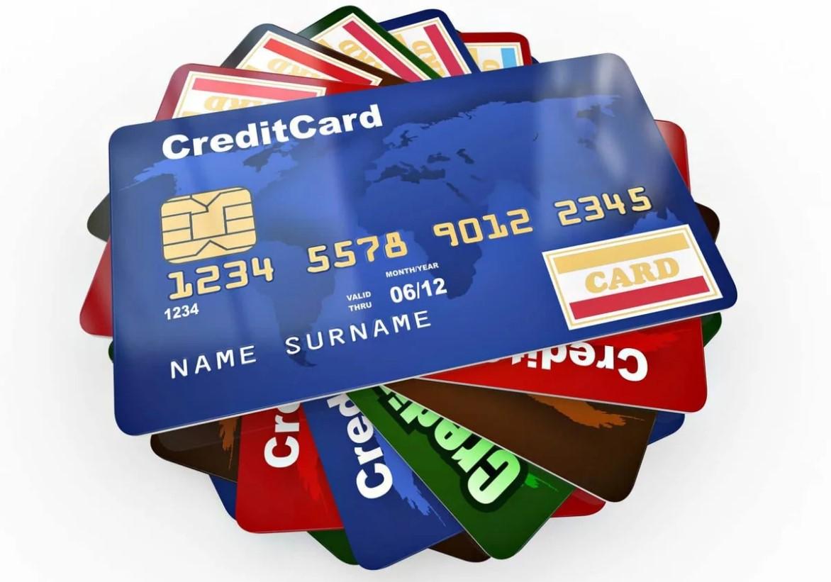 С каких банковских карт приставы не имеют права списывать долги
